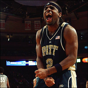 The pudgy fields scored 10 points in the final three minutes as Pitt beat UConn in Hartford