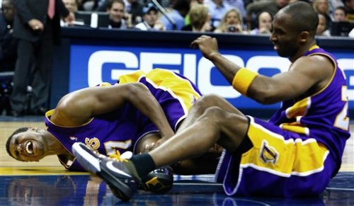 Surprisingly, Andrew Bynum's injury hasn't increased D.J. Mbenga's fantasy value - Just kidding. (Pic via slamdunkcentral.com)