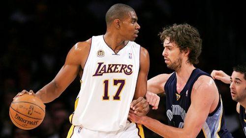 Bynum's return keeps the Lakers atop the TTT NBA Power Rankings. (Pic via Lakerslive.wordpress.com)
