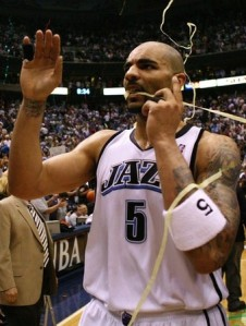 After spending much of last season saying he wanted out, Boozer is staying in Utah.